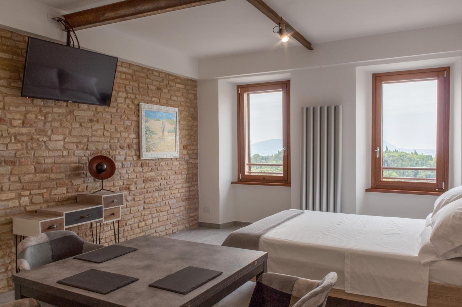 Appartamento di design con doccia emozionale e cucina for Prenota ritiro permesso di soggiorno